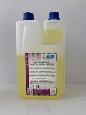 shampoo con cera per il lavaggio dell'auto