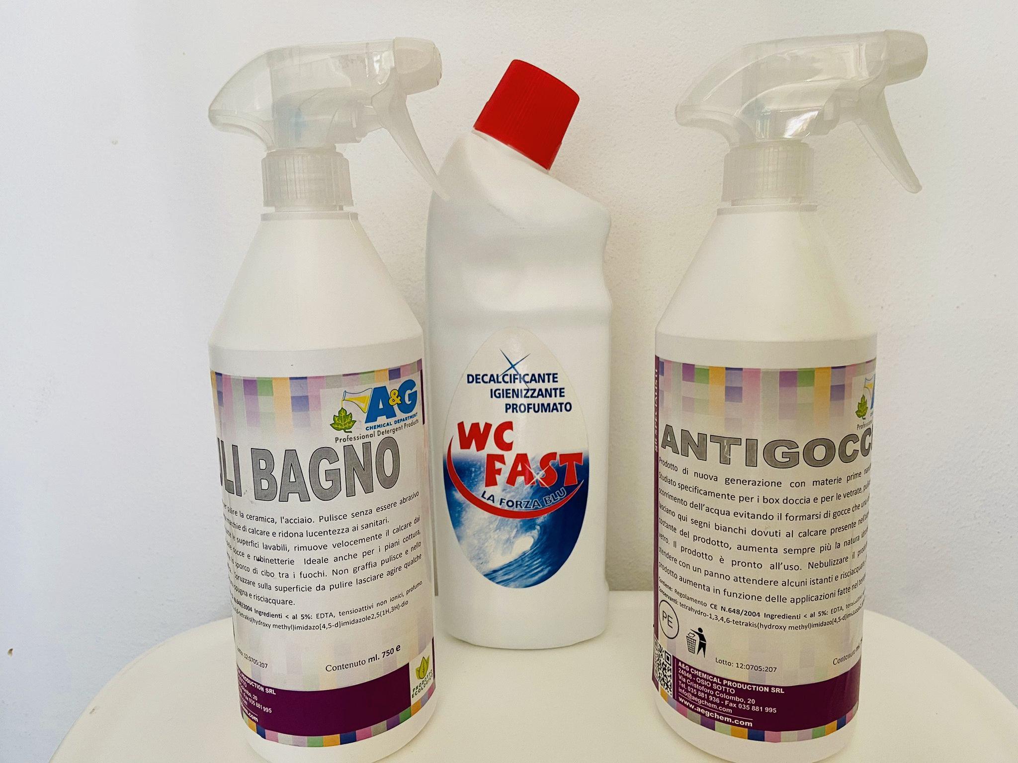kit di prodotti per la pulizia del bagno